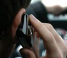 Nutzung des Handys am Steuer auch als Navigationshilfe verboten